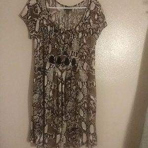 Plus size 16 snake skin print dress